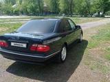 Mercedes-Benz E 240 2000 года за 3 500 000 тг. в Алматы – фото 4