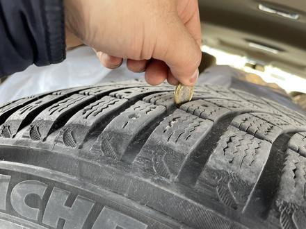 Зимняя шипованная резина Michelin за 130 000 тг. в Алматы – фото 7