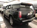 Chevrolet Tahoe 2020 года за 29 900 000 тг. в Алматы – фото 5