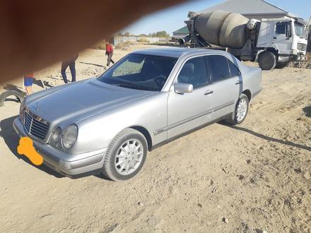Mercedes-Benz E 220 1997 года за 1 900 000 тг. в Кызылорда – фото 3