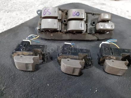 Блоки стеклоподъемника на Lexus GS300 s160 за 1 111 тг. в Алматы