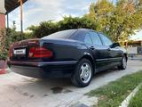 Mercedes-Benz E 280 1997 года за 2 589 444 тг. в Туркестан – фото 4