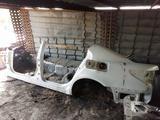 Стойка кузова с порогом, накладка на порог на Lexus LS460 за 100 000 тг. в Алматы