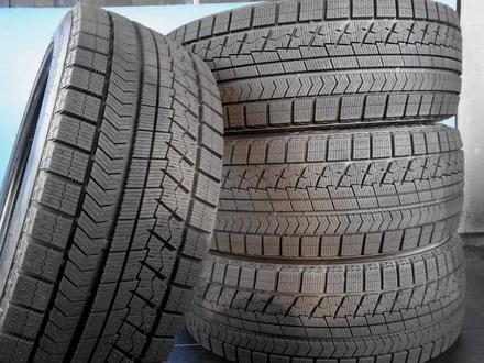 Шины Bridgestone 235/50/r18 VRX за 77 000 тг. в Алматы