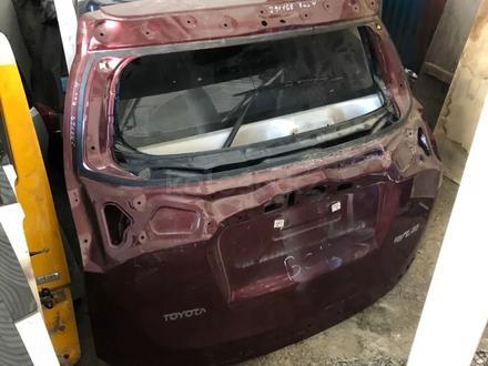Крашка багажника Рав 4 кузов 40 за 777 тг. в Алматы
