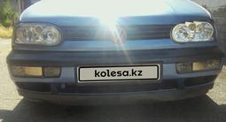 Volkswagen Golf 1993 года за 1 300 000 тг. в Алматы – фото 2