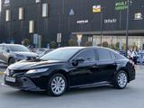 Toyota Camry 2019 года за 11 800 000 тг. в Шымкент – фото 4