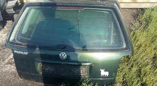 Крышка багажника Volkswagen Passat B5 combi за 24 000 тг. в Семей