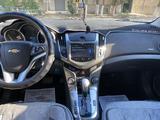 Chevrolet Cruze 2013 года за 3 850 000 тг. в Актау – фото 4