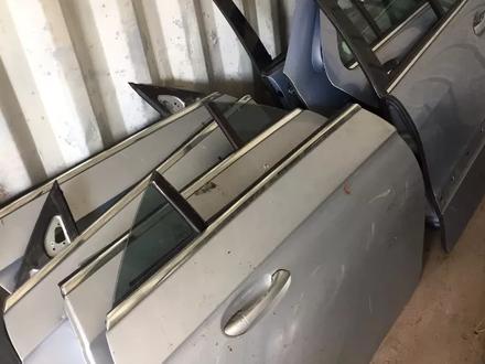 Двери на CLS w219 в сборе или голые за 30 000 тг. в Алматы