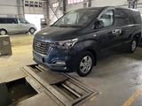 Hyundai Starex 2018 года за 13 900 000 тг. в Алматы