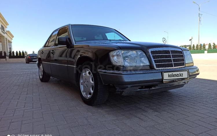 Mercedes-Benz E 220 1993 года за 1 550 000 тг. в Караганда