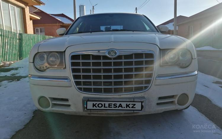 Chrysler 300C 2005 года за 3 300 000 тг. в Алматы