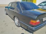 Mercedes-Benz E 300 1989 года за 2 700 000 тг. в Уральск – фото 3