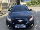 Chevrolet Cruze 2011 года за 3 800 000 тг. в Актобе – фото 2