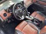 Chevrolet Cruze 2011 года за 3 800 000 тг. в Актобе – фото 3