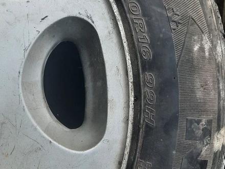 Шину с дисками коплект на мерс за 55 000 тг. в Алматы