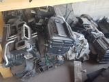 Печка радиатор моторчик корпус на мерседес W140 W210 W221 за 5 000 тг. в Шымкент