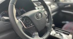 Toyota Camry 2014 года за 9 400 000 тг. в Караганда – фото 2