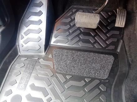 Пороги. Навесное. Защиты картера и КПП. Авто коврики. Амортизаторы капота за 20 000 тг. в Актау – фото 51