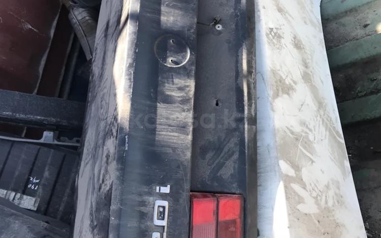 Крышка багажника BMW E34 за 15 000 тг. в Алматы
