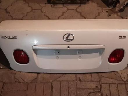 Крышка багажника Lexus gs300 за 10 000 тг. в Алматы