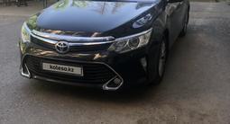 Toyota Camry 2015 года за 10 700 000 тг. в Шымкент
