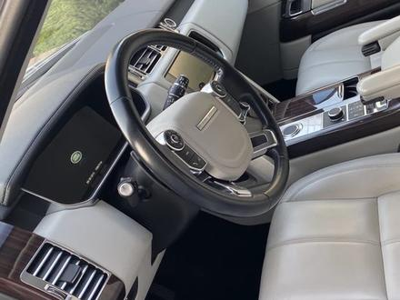Land Rover Range Rover 2014 года за 17 000 000 тг. в Алматы – фото 3