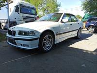 BMW 328 1997 года за 2 600 000 тг. в Алматы