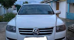 Volkswagen Touareg 2006 года за 4 000 000 тг. в Уральск – фото 4