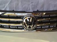 Решетка Volkswagen Touareg дорестайл за 40 000 тг. в Алматы
