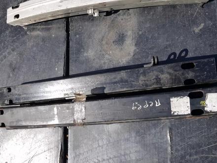 Усилитель заднего бампера на Тойота Камри 30 за 8 000 тг. в Караганда