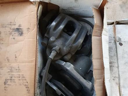 Тормозные диски комплект, суппорта BMW 535i E60 за 50 000 тг. в Алматы