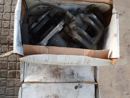 Тормозные диски комплект, суппорта BMW 535i E60 за 50 000 тг. в Алматы – фото 2