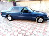 Mercedes-Benz E 220 1993 года за 2 600 000 тг. в Алматы – фото 3