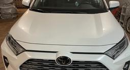 Toyota RAV 4 2021 года за 20 500 000 тг. в Уральск