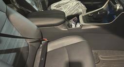 Toyota RAV 4 2021 года за 20 500 000 тг. в Уральск – фото 4