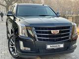 Cadillac Escalade 2019 года за 29 700 000 тг. в Алматы – фото 2