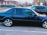 Mercedes-Benz E 220 1994 года за 4 500 000 тг. в Алматы – фото 4