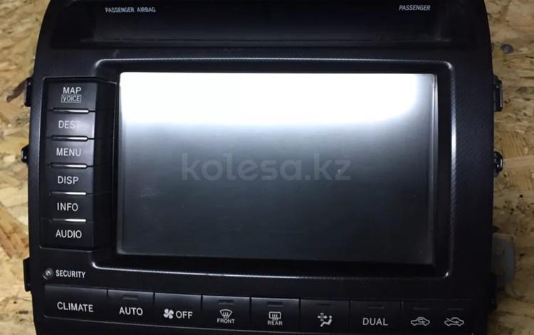 Дисплей на Toyota land cruiser 200 за 555 тг. в Караганда