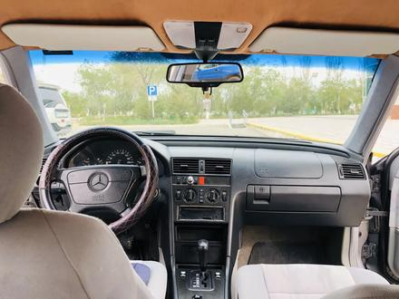 Mercedes-Benz C 200 1997 года за 2 500 000 тг. в Жанаозен – фото 18