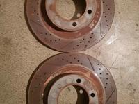 Тормозные диски перфорированные керамика передние задние Toyota FJ Cruiser за 110 000 тг. в Алматы