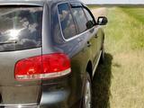 Volkswagen Touareg 2006 года за 4 500 000 тг. в Кокшетау – фото 3