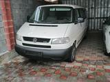 Volkswagen Caravelle 2003 года за 4 300 000 тг. в Алматы