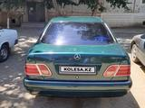 Mercedes-Benz E 240 1997 года за 2 200 000 тг. в Жезказган – фото 3