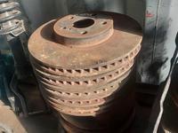 Тормозные диски на Es 300 за 18 000 тг. в Алматы