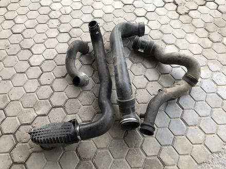 Патрубки от радиатора и интеркулера Дискавери 3 2.7 дизель за 20 000 тг. в Алматы – фото 2