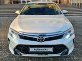 Toyota Camry 2017 года за 10 800 000 тг. в Актобе