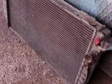 Радиатор Ауди 80В4 за 8 000 тг. в Караганда
