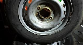 Зимние шины с дисками за 110 000 тг. в Алматы